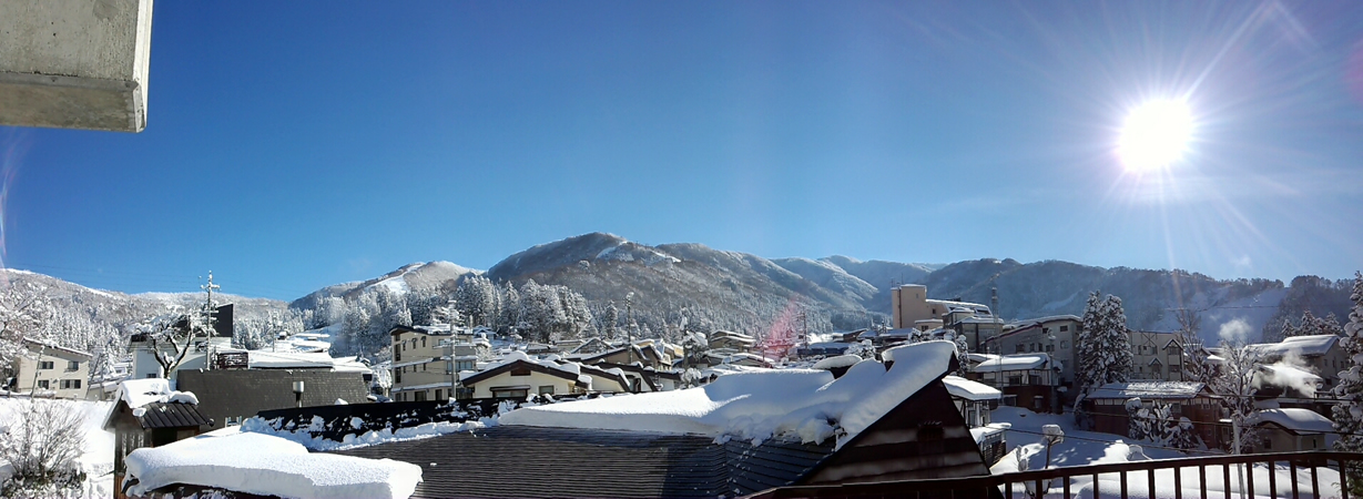 http://www.nozawa.tv/blog/images/PANO_20121227_100602.jpg